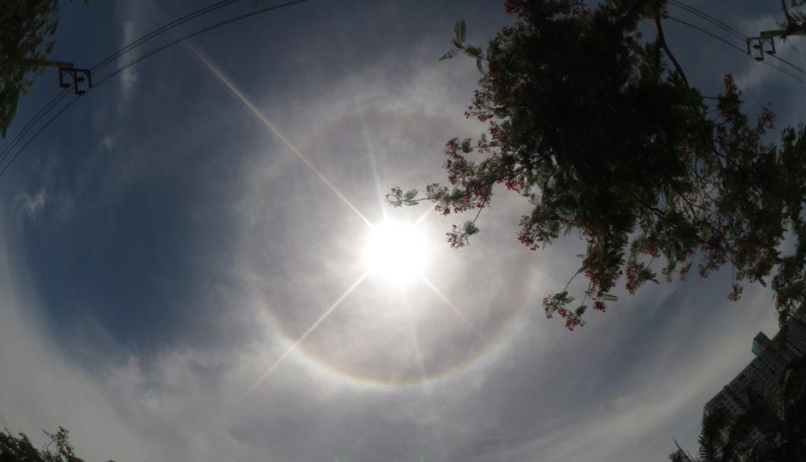 Fenômeno Halo No Céu da Tailândia