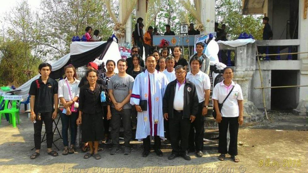 Compartilhando a Palavra de Deus na Tailandia