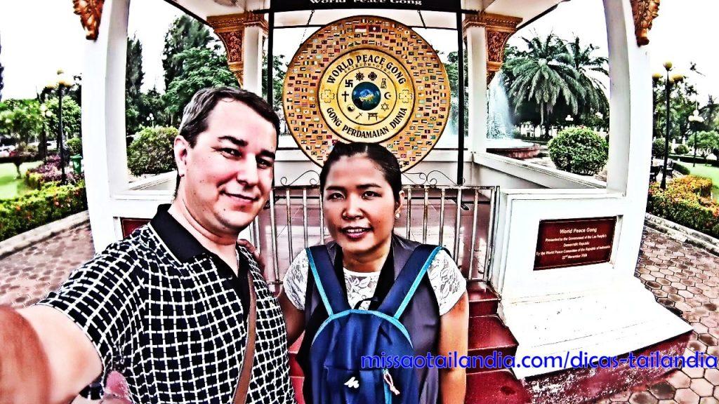 Gongo da Paz Mundial - Vientiane - Laos